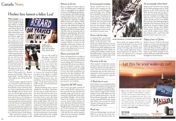 Article Preview: Hockey fans lament a fallen Leaf, March 2000 | Maclean's